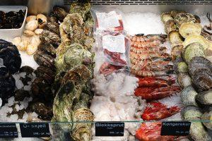Choose fresh seafoods